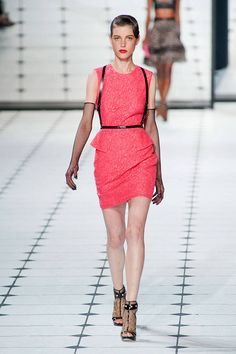 Did anyone notice that Maggie on the Walking Dead was totally on-trend with her leather harness? Is it just me? Leather Harnesses Spring 2013 Runways - Leather Harnesses at Fashion Week - Elle
