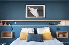 Bedroom decoration: 70 photos to create a bedroom that looks like me – Inspiration déco, par Côté Maison – einrichtungsideen wohnzimmer Rustic Bedroom Design, Modern Bedroom, Contemporary Bedroom, Home Design, Bedroom Sets, Bedroom Decor, Bedroom Lighting, Interior Modern, Interior Design