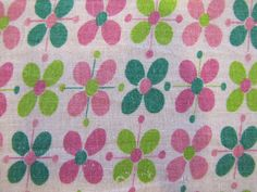 Pink Green Floral Flour Sack Fabric Flour by SundayTown Sack Dresses, Feed Sacks, Vintage Fabrics, Surface Pattern, Vintage Designs, Pink And Green, Printing On Fabric, Sewing Projects, Shapes