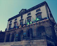 Town Hall, Live