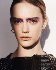 Glitter up #newbeauty @lexpress_styles Photo @janwelters_official #makeup #natashaseverino @forwardartists