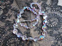 Mademoiselle Brocantine ~ Collier en perles de verre. #brocante
