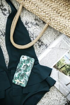 Monstera Jungle by lovely @emmamelins - Fashion case phone cases iphone inspiration iDeal of Sweden #green #leaf #palm #tropical #gold #fashion #inspo #iphone