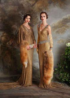Foto 22 de 23 Modelo Miriam y Daisy en color dorado y confeccionados en sequin   HISPABODAS