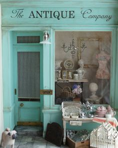 Antique shop for the shop and shows фасады магазинов, миниат Miniature Rooms, Miniature Furniture, Paris Chic, Lovely Shop, Shop Fronts, Shop Around, Store Displays, Retail Displays, Antique Stores