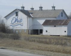 Ohio barns, This one is on 70 just east of Dayton. I have seen it many times, love the cupolas on top and the Bicentennial design