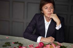 It's a conspiracy: Poll shows some think Paul McCartney is still dead - By: Steve Marinucci (Beatles Examiner) Ringo Starr, George Harrison, Paul Mccartney Christmas, John Lennon, Songs About Fire, The Beatles 1, Paul Mccartney And Wings, Full Hd Pictures, Roasted Chestnuts