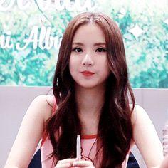 GFRIEND - Eunha (Jung Eunbi)