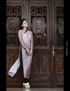Vietnamese traditional dress Vietnamese Clothing, Vietnamese Dress, Vietnamese Traditional Dress, Traditional Dresses, Ao Dai, Asian Style, Chinese Style, Vietnam Girl, The Most Beautiful Girl