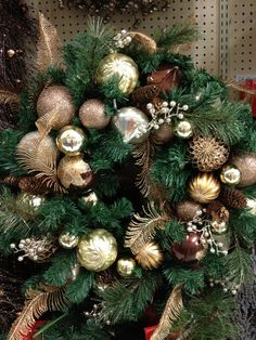Brown/gold and green for Christmas wreath