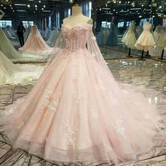 2019 New Arrival Flower Pink Wedding Dresses Off The Shoulder With Handmade Flowers Lace Up € - Fancy Evening Dresses.de - 2019 New Arrival Floral Pink Wedding Dresses Off The Shoulder With Handmade Flowers Lace Up - Pretty Quinceanera Dresses, Pretty Prom Dresses, Pink Wedding Dresses, Beautiful Dresses, Elegant Dresses, Wedding Navy, Amazing Dresses, Dress Wedding, Lace Wedding