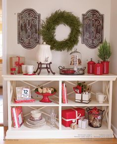 Christmas decorating - Willow House - love the pops of red