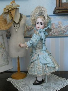 bru clothes | Companies like Bru, Jumeau, Steiner, and many more were top doll ...