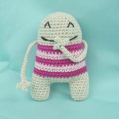 I call him Manfred the happy monster. yarn: Schachenmayr Catania no pattern  #crochet #häkeln #häkelnisttoll #häkelnistyoga #handmade #amigurumi #crochetersofinstagram #crochetaddict #crochetlove #crochetporn #crocheting #abmcrafty #craftastherapy #ilovecrochet #crochetmonster #crafty #selbstgemacht by colorfowl
