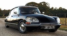 Citroen ds, French beautiful car, high technology at this age :) Psa Peugeot Citroen, Citroen Car, Audi, Bmw, Jaguar, Automobile, Convertible, Transporter, Car Wallpapers