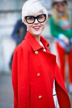 Hunter Linda Tol   Deze kleur jas, gouden knopen <3