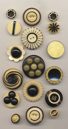 17 VINTAGE BLACK & WHITE CELLULOID BUTTONS