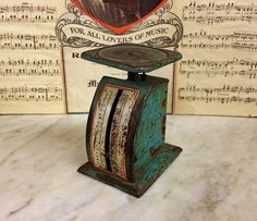 ViNTAGE GrEEN KILO POSTAL SCALE, ShaBBY Chic Weighing ScALE, PhOTOGRAPHER's PrOP, https://www.etsy.com/listing/492927305 $25.00
