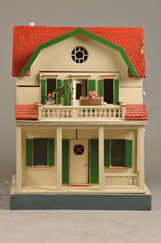 Art Nouveau-Doll house