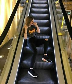 you would have to be quick when taking a photo on an escalator ☆ Poses For Pictures, Picture Poses, Photo Poses, Tumblr Photography, Girl Photography Poses, Selfie Poses, Selfies, Instagram Pose, Insta Photo Ideas