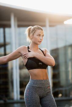 Fitness model Lisa Del Piero for Gym Aesthetics Lisa, Sporty, Gym, Lifestyle, Photo Sessions, Fitness, Model, Aesthetics, Behance