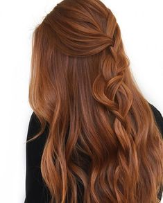 Ginger spice and everything nice ?It's always a great day when I get my hands on this beautiful hair ✨ Using w/… Ginger spice and everything nice ?It's always a great day when I get my hands on this beautiful hair ✨ Using w/… Natural Red Hair, Dark Red Hair, Natural Hair Styles, Long Hair Styles, Short Copper Hair, Brownish Red Hair, Copper Blonde Hair, Long Red Hair, Burgundy Hair