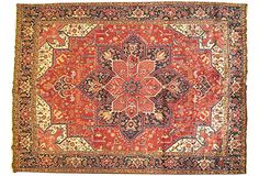 A classic handmade persian Heriz rug, 8'7 x 11.5 ft