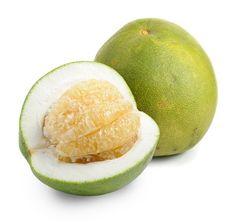 Pomelo proprietà e benefici di un agrume dalle grandi dimensioni che è l'antenato di tutti gli agrumi. Il pomelo ha un alto contenuto di vitamina C.