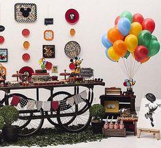 Adoro essa decoração para festinha Mickey by @poamesaselembrancas, super charmosa e original!   #kikidsparty
