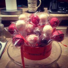 Basketball cake pop bouquet.