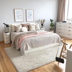 cute and girly bedroom decorating tips for girl 26 Big Bedrooms, Small Master Bedroom, Master Suite, Room Ideas Bedroom, Home Decor Bedroom, Design Bedroom, Ikea Bedroom, Bedroom Furniture, Gold Bedroom