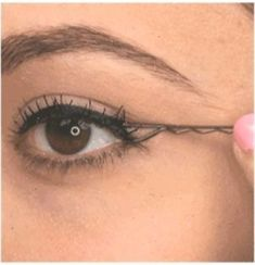 16 awesome DIY makeup hacks that will change your makeup game . - 16 ingenious DIY makeup hacks that will change your makeup game - Diy Makeup, Makeup Tips, Makeup Hacks, Aloe Vera For Hair, Fall Makeup Looks, Social Trends, Makeup Routine, Makeup Yourself, Beauty Hacks