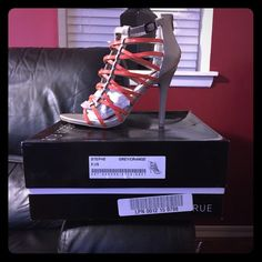 Gary/orange open toe shoes . NNB Gray and orange open toe pumps ' size 8 called stephe '  never wore still in box they came in ... ALDO Shoes