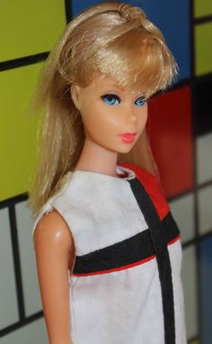 Barbie en robe Mondrian....