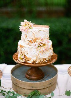 swirled toasted marshmallow cake | Anna Routh + Graham Terhune #wedding