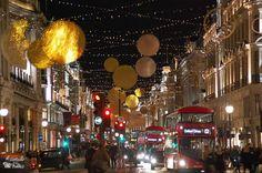Recorrido por las calles de Londres en navidad. No puede faltar una visita a Winter Wonderland, la juguetería Hamleys y las famosas Oxford St y Regent St.