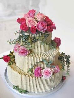 Is this not the prettiest cake ever?
