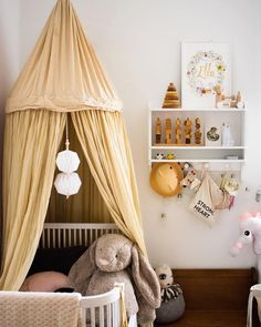 whimsical nursery @maddiemae7