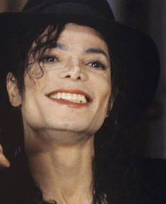 Michael Jackson - love his smile :)