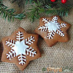 Easy Gingerbread Recipe, Gingerbread Cookies, Sweet Cakes, Good Food, Food And Drink, Cooking Recipes, Christmas Ornaments, Mai, Holiday Decor