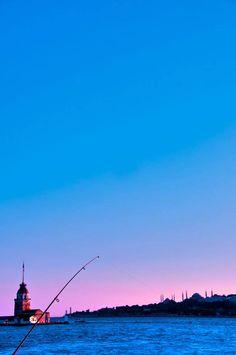 有一種藍很難讓人遺忘,那就是屬於土耳其的藍。@伊斯坦布爾仙女塔Kız Kulesi。 ©Aslan Sarızeybek
