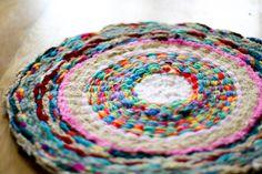 DIY: woven finger-knitting hula-hoop rug