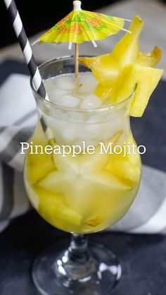 Cocktail Drinks, Fun Drinks, Yummy Drinks, Cocktail Recipes, Alcoholic Drinks, Pineapple Mojito, Liqueur, Alcohol Recipes, Dessert