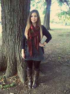fall outfit with leather-like leggings