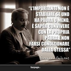 Frari celebri Giovanni Falcone, Phrases About Life, Italian Quotes, Special Words, Good Vibes, Black History, Famous People, Favorite Quotes, Real Life