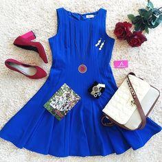 Que tal combinar um vestido colorido com um sapato colorido? Nós AMAMOS! Sapato Tanara ref. T0124. Look by @sulumitavestidos #tanarabrasil  #shoesfirst