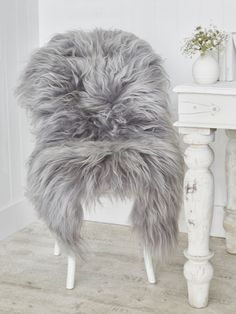 Icelandic Sheepskin Rug   Soft Grey