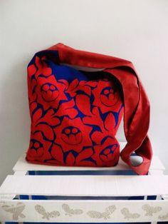 Otra hermosa con #bordado a mano de Jalapa de Díaz #Oaxaca, Lunaje+Yoylo #bolsa #handbag #textil #artesanal #embroidery #handmade
