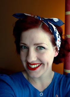 Have scarves and don't know what to do with them? Here's how to tie a headscarf 5 different ways, for 5 different vintage and rockabilly inspired looks.