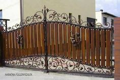 Decoration added a new photo. House Main Gates Design, Iron Gate Design, Fence Design, Metal Gates, Wooden Gates, Wrought Iron Gates, Tor Design, Grill Gate, Iron Garden Gates